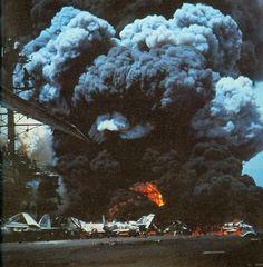 Us Marine Corps, Flight Deck, Navy Ships, Aircraft Carrier, Vietnam War, Us Navy, Military Aircraft, Explosions, Planes