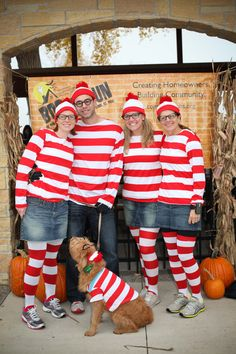 There's Waldo (and friends!) #running #costumes boorunrun.org Halloween Run, Halloween Costumes For Work, Holidays Halloween, Halloween Themes, Team Costumes, Run Disney Costumes, Running Costumes, Color Run Outfit, Race Day Outfits
