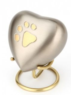 We are offers beautiful Pet Urns Keepsakes , pet urns for dog, Urn for Dogs, Dog Cat Urns, Pet Keepsake Urns so that you can find something suitable for your beloved pet at very affordable prices in united kingdom.