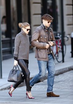 Olivia Palermo wearing Westward Leaning Children of California sunglasses Givenchy Antigona bag L.Bennett LK Parrot Embroidered Cotton Pointed Toe Court Pumps New York City March 30 2013 Couple Style, My Style, Olivia Palermo Outfit, Olivia Palermo Style, Fashion Couple, Love Fashion, Womens Fashion, Fashion News, Givenchy Antigona