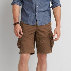 AE Classic Length Ripstop Cargo Short ($19) ❤ liked on Polyvore featuring men's fashion, men's clothing, men's shorts, brown, mens cargo shorts, mens ripstop shorts and mens ripstop cargo shorts
