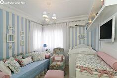 quarto de bebê floral azul e branco