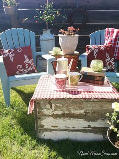outdoor seating area my summer style, flowers, outdoor living, repurposing upcycling, For an end table I stacked vintage picnic baskets