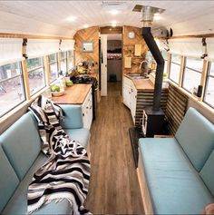 The Paashaus family has been living in their skoolie for a year, traveling the states and adventuring with their two daughters. From multi-day packrafting trip to thru-hiking the Long Trail, no adventure is too big for them. Bus Interior, Airstream Interior, Interior Architecture, Bus Living, Tiny House Living, Tiny House Family, Family Houses, Vida No Trailer, School Bus Tiny House