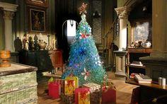 Árvore de Natal foi feita com 300 garrafas recicladas