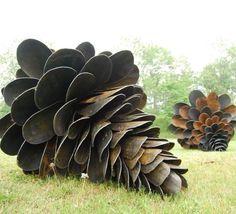 Giant pine cones from old shovels. I just love this yard art Land Art, Outdoor Sculpture, Outdoor Art, Garden Sculptures, Sculpture Ideas, Metal Sculptures, Wood Sculpture, Bronze Sculpture, Giant Pine Cones