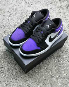 Nike Casual Shoes, All Nike Shoes, Nike Shoes Air Force, Kicks Shoes, Hype Shoes, Sports Shoes, Zapatillas Jordan Retro, Zapatillas Nike Air, Sneakers Nike Jordan
