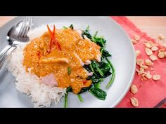 """""""Swimming Rama"""" is a dish that is becoming hard to find in Thailand, but is still served in many Thai restaurants overseas. Started by Chinese immigrants in . Slow Carb Recipes, Healthy Thai Recipes, Paleo Recipes, Asian Recipes, Cooking Recipes, Ethnic Recipes, Paleo Meals, Asian Foods, Healthy Meals"""