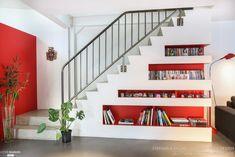 A PETILLANT FAMILY LOFT, WOM Design - Stéphanie Michel-Girard - Côté Maison Modern Black Coffee Table, Loft, Metal Homes, Bookshelves, Modern Furniture, Sweet Home, Stairs, Architecture, House