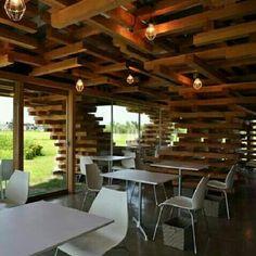 Café Kureon, em Toyama, Japão. Projeto de Kengo Kuma and Associates. #arts #architecture #architecturelover #arquitetura #arte #decor #decoração #design #interiores #interior #wood #madeiraeconforto #madeira #projetocompartilhar #shareproject