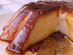 How To Make Flan In The Microwave. Do you have guests but not the time to prepare desserts? Do your kids love flan but you do not want to spend hours cooking it in a bain marie? Desserts Espagnols, Spanish Desserts, Diabetic Desserts, Diabetic Recipes, Healthy Desserts, Mexican Food Recipes, Dessert Recipes, Cooking Recipes, Pinoy Dessert
