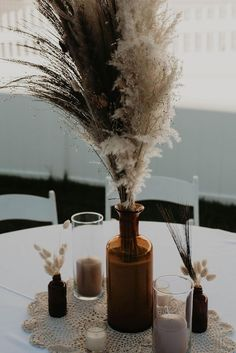 Create simple table decor for your boho wedding with pampas grass and dried bunny tail from Afloral.com. Image by @desireedeandesigns #driedflowers #diywedding #pampas Diy Wedding Flowers, Diy Wedding Decorations, Boho Wedding, Table Decorations, Budget Wedding, Wedding Table, Reiki Room, Bunny Tail, Pampas Grass