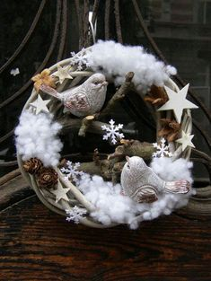 Most popular ways to beautiful decorations christmas wreath ideas 9 - Weihnachten Christmas Ornament Wreath, Christmas Bird, Christmas Makes, Holiday Wreaths, Christmas Holidays, Beautiful Christmas, Illustration Noel, Holiday Crafts, Holiday Decor