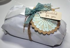 Homemade bread gifts - freezer wrap, twine, lace and scalloped circles with tag Bread Gifts, Gift Wrapping Techniques, Birthday Souvenir, Bread Packaging, Farmers Market Recipes, Edible Favors, Cupcake Shops, Bread Machine Recipes, Gift Cake