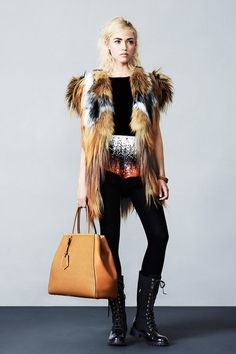 See the complete Fendi Pre-Fall 2012 collection.
