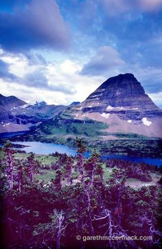 Hidden Lake and Bearhat Mountain, Glacier National Park, Montana, USA. Stock Photo