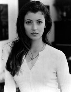 "Mia Sarah, actress from ""Ferris Beuler's Day Off"" (Google Image Result for http://cdn.huddler.com/f/fe/fe76625a_Pinup5MiaSara.jpg)"