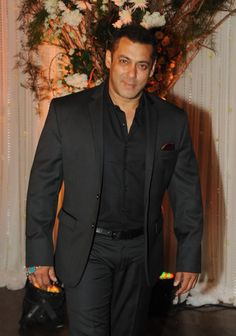 Did Salman Khan Just Take A Dig At Ranbir Kapoor? Rumours of Salman Khan and Ranbir Kapoor not getting along have been flying around since the days when the two worked together. Ranbir Kapoor made his debut in Sanjay Leela Bhansali's Saawariya in which Salman Khan made a guest appearance and it see