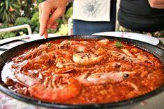 Arroz con salmorreta Paella, Spanish Kitchen, Seafood Pasta, Empanadas, Polenta, Risotto, Tapas, Food To Make, Cooking