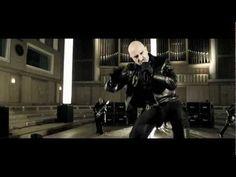 """Das offizielle Video von """"Die Hölle muss warten"""" , der neuen am 30.03. erscheinenden Single von Eisbrecher! http://www.amazon.de/exec/obidos/ASIN/B006KAOXJI/symfb334-21 Das Album Die Hölle muss warten ab dem 03.02. überall erhältlich! www.eis-brecher.de www.facebook.com/eisbrecher"""