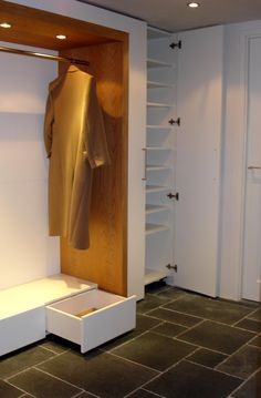 Bedroom Furniture Design, Entrance Doors, Mudroom, Home Organization, My Dream Home, Decoration, Laundry Room, My House, New Homes