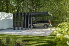Home & DIY garage improvements and garage ideas. Car Porch Design, Garage Design, Roof Design, Exterior Design, Shed Design, Carport Garage, Pergola Carport, Diy Garage, Diy Pergola