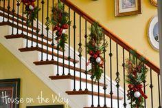 diy christmas staircase decorating ideas