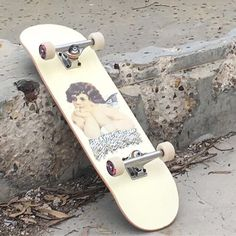 ) suas próprias imagens e vídeos no We Heart It White Aesthetic, Aesthetic Photo, Aesthetic Pictures, Aesthetic Japan, The Wicked The Divine, Skater Boys, Skater Couple, Skateboard Decks, Skateboard Girl