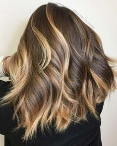 Balayage High Lights To Copy Today - Ribbons of Gold - Simple, Cute, And Easy Ideas For Blonde Highlights, Dark Brown Hair, Curles, Waves, Brunettes, Natural Looks And Ombre Cuts. These Haircuts Can Be Done DIY Or At Salons. Don't Miss These Hairstyles! - https://www.thegoddess.com/balayage-high-lights-to-copy