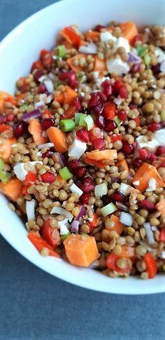 Lentil salad with feta – GezondGezin.nu – Foods and Drinks Vegetarian Recipes, Cooking Recipes, Healthy Recipes, Healthy Food, Feta, I Love Food, Good Food, Lunch Restaurants, Clean Eating
