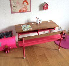 Pupitre d'écolier 2 places années 60 coloris rose par Chouette Fabrique, €190.00