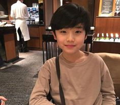 There's a child actor that's capturing the hearts of K-Drama lovers worldwide.The handsome young actor's name is Moon Woo Jin, who was born in H… Cute Asian Babies, Korean Babies, Asian Kids, Cute Babies, Kids Boys, Cute Boys, Ulzzang Kids, Child Actors, Cute Baby Pictures