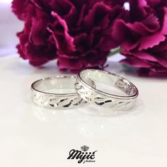 Special, special! ❤️ #burme #weddingrings #belozlato #gold #zlatar #zlatara #zlataramijic #grocka #beograd #srbija #goldsmith #vencanica #wedding #vencanje #svadba #prsten #bride #instasmithy #instajewelrygroup #love #weddingbands #ljubav