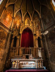 A giant gold structure remains beneath the apse of a large abandoned church in Pennsylvania.