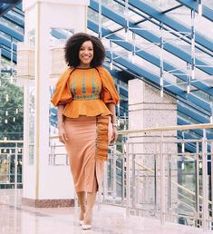 Ankara Styles For Women, African Lace Styles, Latest African Fashion Dresses, African Dresses For Women, African Print Fashion, Latest Ankara Dresses, Ankara Skirt And Blouse, Blouse Styles, Ankara Designs