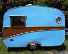 Little blue vintage caravan, Mount Victoria, Blue Mountains, New South Wales.