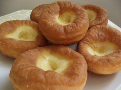 Farsang idején kötelező készíteni, szép szalagosat, sárgabarack lekvárral Bagel, Bread, Food, Brot, Essen, Baking, Meals, Breads, Buns