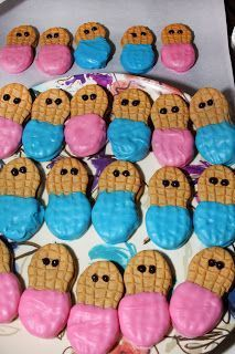 """These 'little peanut"""" baby face cookies are perfect for a baby shower, play date, or gender reveal party! These 'little peanut baby face cookies are perfect for a baby shower, play date, or gender reveal party! Peanut Baby Shower, Baby Shower Snacks, Baby Shower Parties, Baby Showers, Shower Party, Holi Party, Gender Party, Baby Gender Reveal Party, Baby Reveal Party Ideas"""