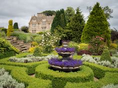 https://flic.kr/p/21TNv8i | The gardens at Upper Slaughter Manor, Cotswolds | A private home that is open to the public one week per month in the summer.    [Note that the Flickr mapping feature still hasn't figured out that Upper Slaughter is not Lower Slaughter]