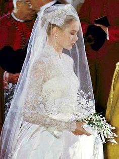 Grace Kelly as a bride CLASSIC BRIDE OC BRIDE MAG