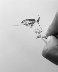 Efraín Malo is a Spanish sketch artist. In his works he makes pencil sketch and gives life to drawings. Pencil Art Drawings, Art Drawings Sketches, Drawing Faces, Sketch Drawing, Sketching, Photo Manga, Art Du Croquis, Drawing Techniques, Art Sketchbook