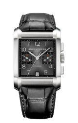 #TiempoPeyrelongue  El reloj cronógrafo Hampton inspirado en un modelo que se remonta al periodo Art Déco, juega con sus líneas dinámica, sus curvas delicadas y resulta irresistible en cualquier muñeca. Baume et Mercier
