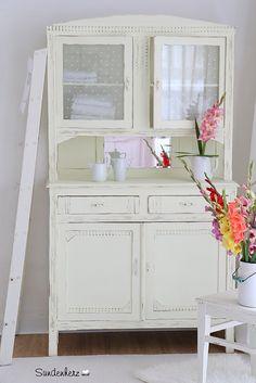 Yellow Buffet   Vintage Kitchen Dresser http://www.suendenherz.de/