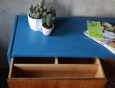 Metamorfoza komody Retro Basset z lat 60 - tych - Rub & Paint Komodo, Retro, Painting, Furniture, Vintage, Home Decor, Decoration Home, Room Decor, Painting Art