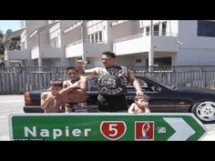 Lee Hingaia stopped traffic to rescue Auckland pensioner - YouTube
