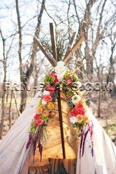 Boho chic floral teepee // Country Rustic Barn Farm Wedding Ideas and Inspiration Boho Wedding, Wedding Flowers, Dream Wedding, Wedding Day, Wedding Reception, Wedding Weekend, Boho Chic, Shabby Chic, Planners