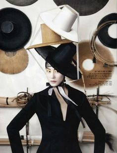 "photo de mode : Vogue Korea, août 2013, série ""Fashion into Crafts"""