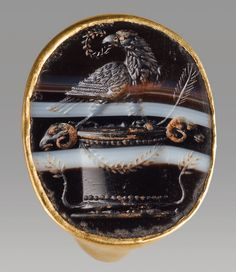 Ancient & Medieval History — Gold and Banded Onyx Ring Depicting the Eagle of...