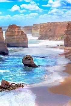 Australia Attractions: 5 Natural Wonders of Australia - Avenly Lane Travel Australia East Coast, Visit Australia, Melbourne Australia, Places To Travel, Places To See, Travel Destinations, Vacation Travel, Family Travel, Travel Photographie