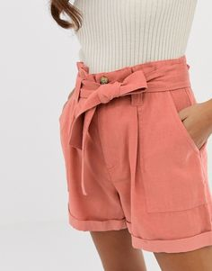 Browse online for the newest Miss Selfridge shorts with paperbag waist in pink styles. Shop easier with ASOS' multiple payments and return options (Ts&Cs apply). Summer Shorts Outfits, Short Outfits, Summer Clothes, Short Dresses, Miss Selfridge, Hourglass Figure Fashion, Asos, Moda Online, Passion For Fashion